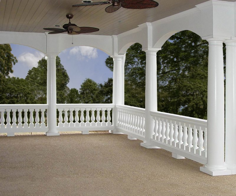 Tuscan Columns with Balustrade